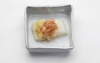 白菜のおかかのせ